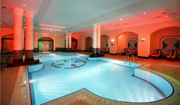 FANTASIA_HOTEL_DELUXE_pool
