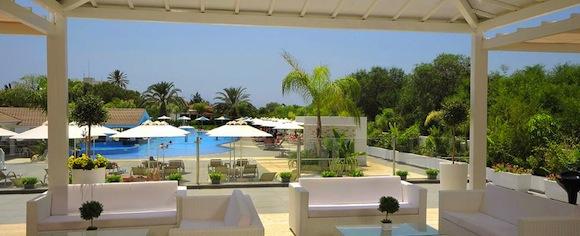 Недорогие отели на Кипре для отдыха с детьми. Турагентство Полетелинаморе. Christofinia