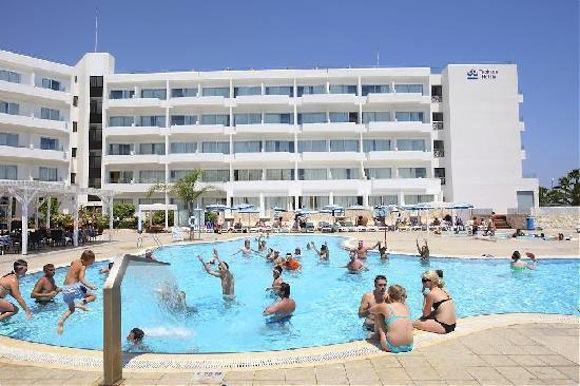 Популярные отели на Кипре для отдыха с детьми. Турагентство Полетелинаморе.