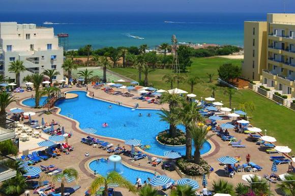 Недорогие отели на Кипре для отдыха с детьми. Турагентство Полетелинаморе. Tsokkos Protaras