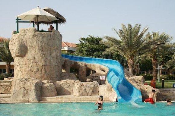 fujairah-rotana-resort- отели ОАЭ для детей
